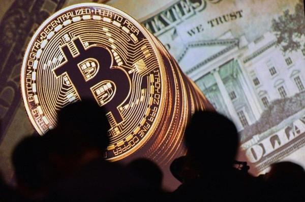 Giá bitcoin hôm nay 12/12: Lịch sử sang trang
