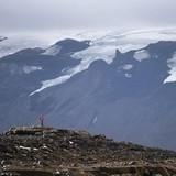 Iceland tưởng niệm dòng sông băng đầu tiên bị biến mất