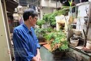 Người dân phải căng kín lưới vì sống chung với nước cống giữa Hà Nội