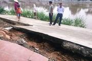 Hà Nội: Đường bê tông mới đưa vào sử dụng đã sụt lún