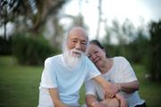 PGS Văn Như Cương ôm vợ trước khi mất và những ngày thanh thản