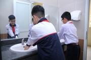 """Trường THCS Khương Mai (HN): Nhà vệ sinh không còn là """"nỗi ám ảnh"""""""