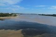 Nghệ An: Nước sông Vinh đổi màu đen, bốc mùi hôi nồng nặc
