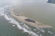 Đảo cát nổi giữa biển Cửa Đại đang diễn biến phức tạp