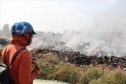 Công an điều tra làm rõ vụ cháy núi rác công nghiệp ở Bình Dương