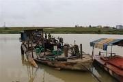 Bắc Ninh:Bắt quả tang thuyền khai thác cát trái phép trên sông Cà Lồ