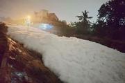 Bình Dương lập đoàn kiểm tra dòng kênh nổi bọt trắng xóa sau mưa