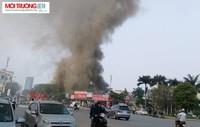 Hà Nội: Cháy lớn tại xưởng sản xuất tôn ở Lạc Long Quân
