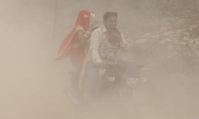 Ô nhiễm không khí hại như hút 50 điếu thuốc/ngày