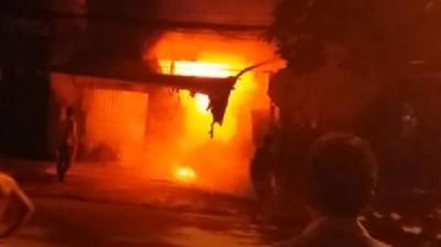 TPHCM: Cháy lớn dãy trọ 1 người chết, 20 người mắc kẹt được giải cứu