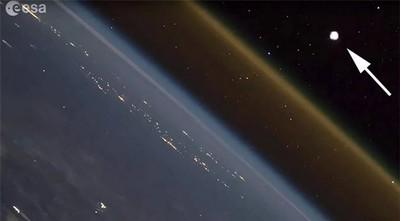Ngỡ ngàng với cảnh phóng tên lửa lên không gian nhìn từ trạm ISS