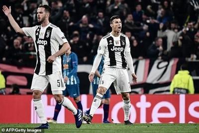 Ronaldo lập hat-trick, CĐV Juve đòi xem phản ứng chủ tịch Real