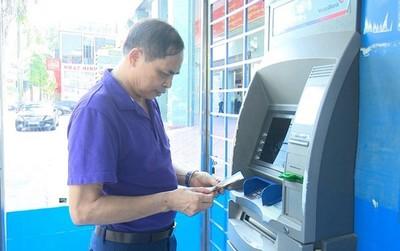 Hà Nội chi trả BHXH, trợ cấp thất nghiệp qua tài khoản cá nhân
