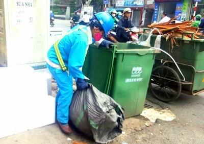 Thu phí xử lý rác thải theo khối lượng- chuyện tưởng dễ mà khó?