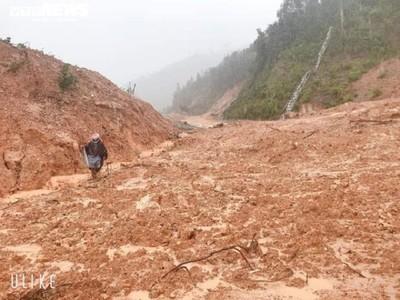 Nóng: 7 người xã Hướng Việt đi làm rẫy đã bị mất tích do mưa lũ