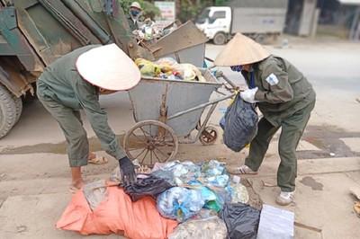 Chuyện những nữ công nhân vệ sinh môi trường