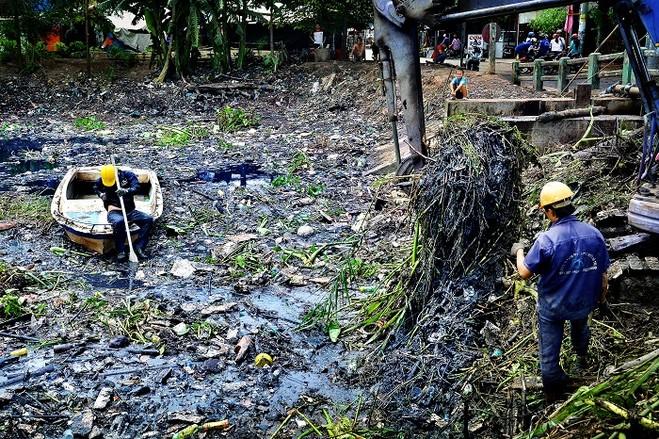 Cần tăng lương cho công nhân vệ sinh môi trường
